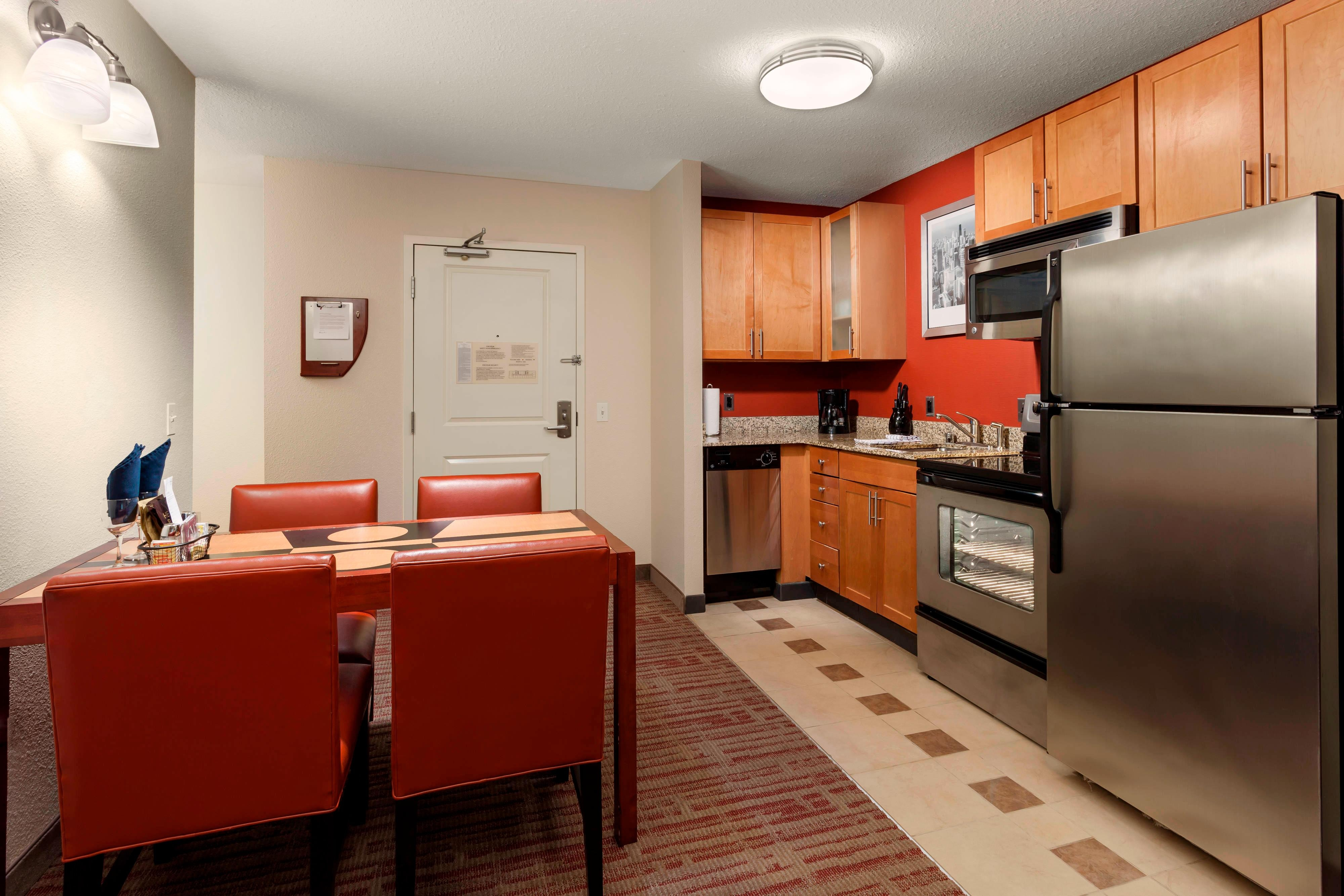 Residence Inn Chicago Downtown River North hotel room kitchen