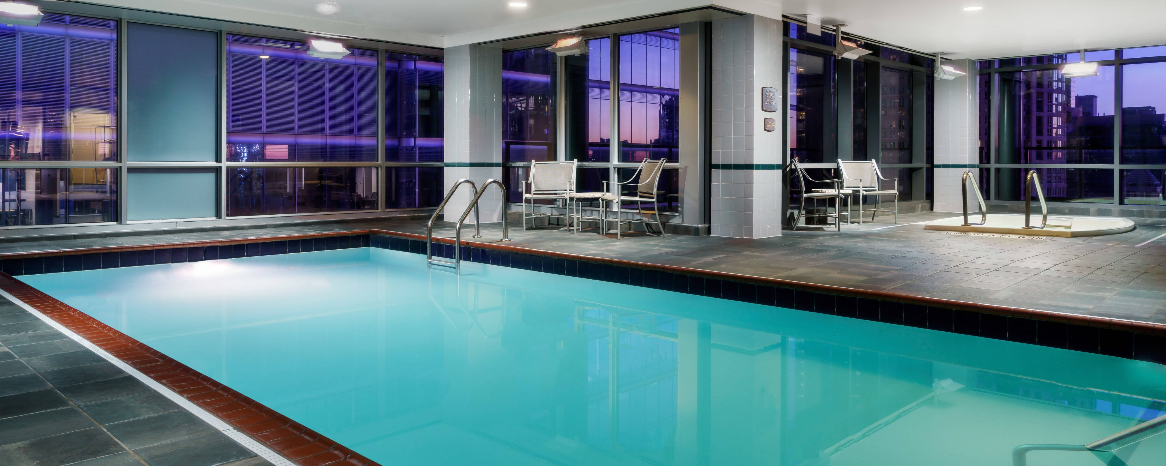 Downtown Chicago Hotels With Pools Residence Inn Chicago
