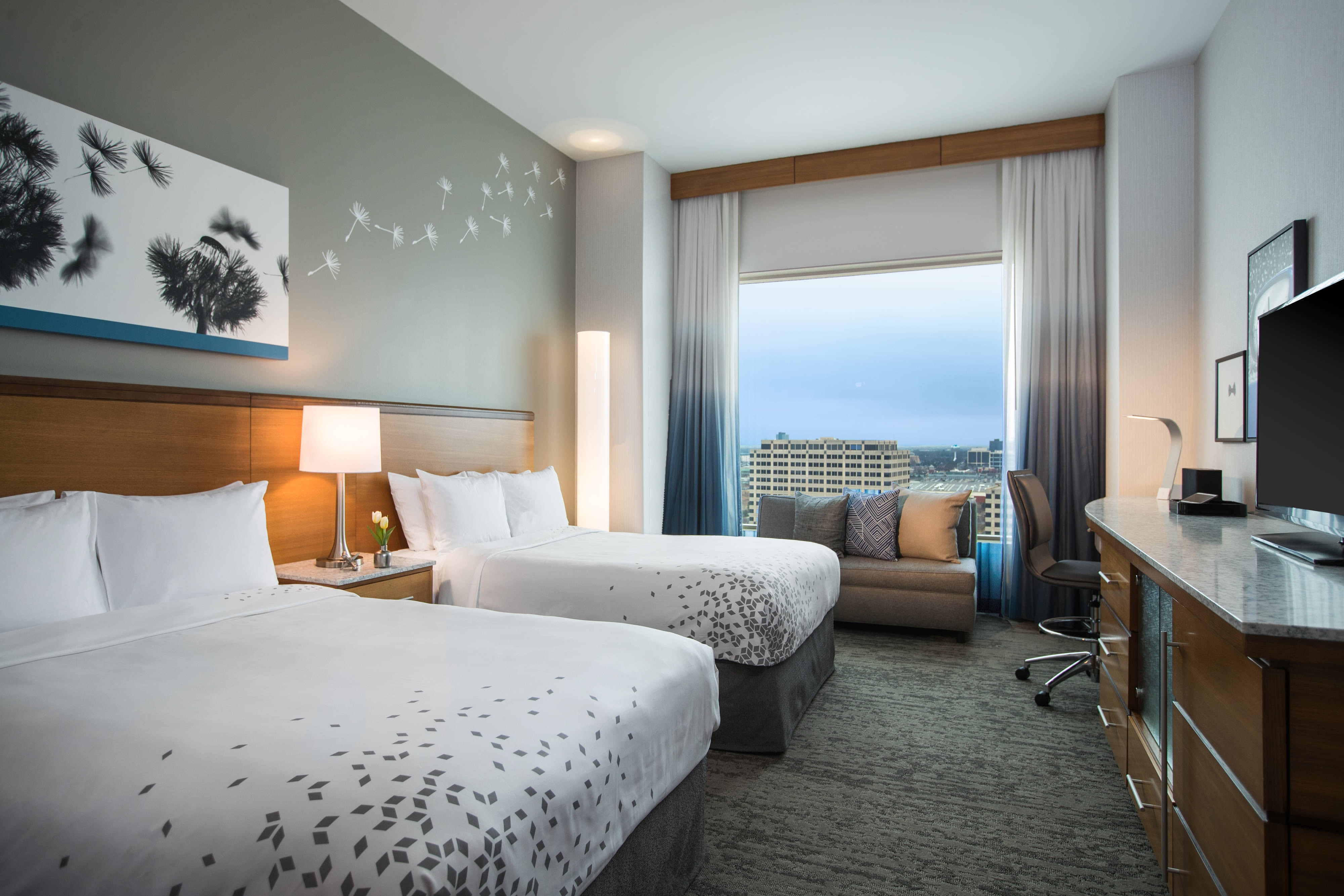 Double/Double Club Level Guest Room - High Floor