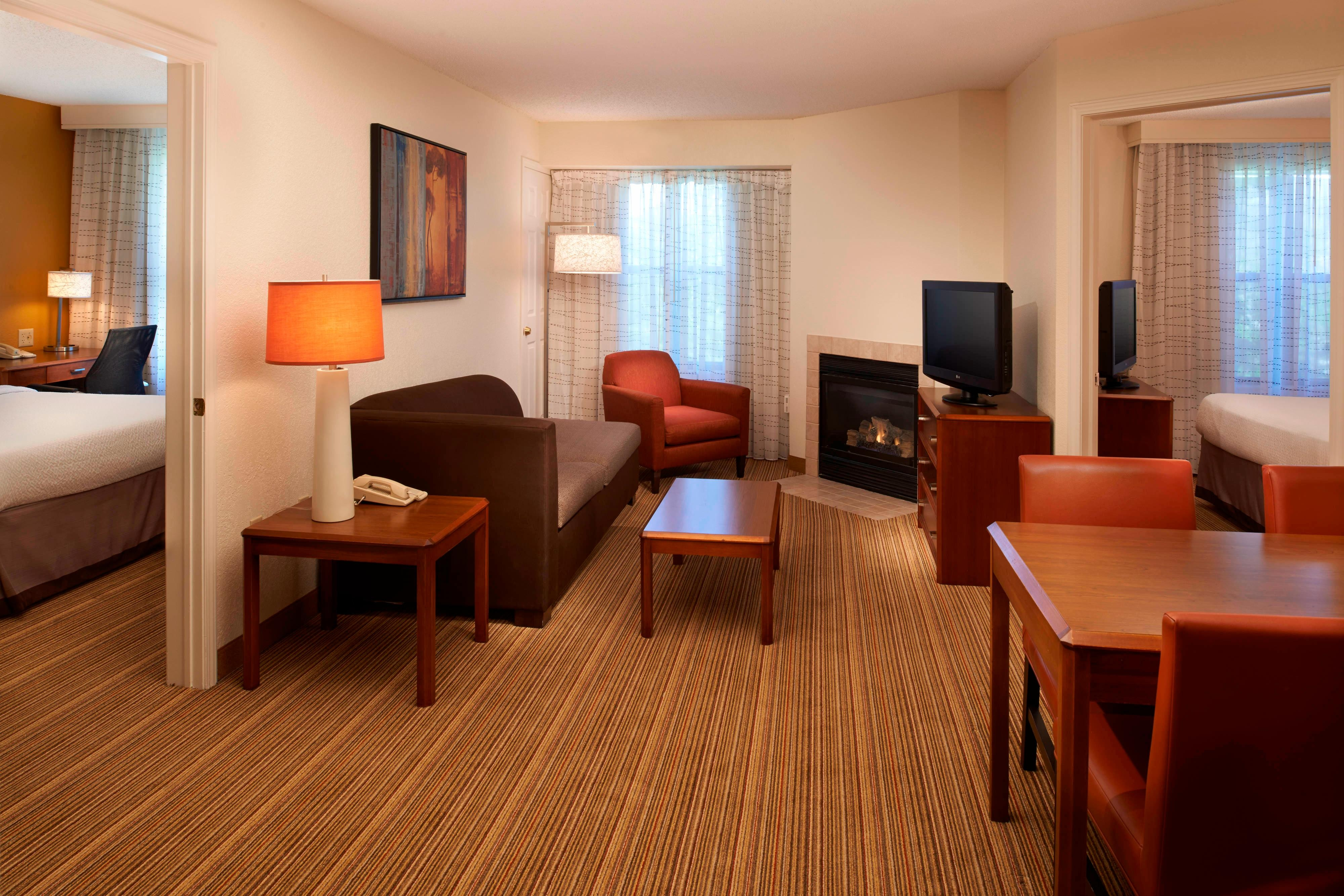 Hotel suites in gurnee il residence inn chicago waukegan gurnee for Two bedroom suites in chicago