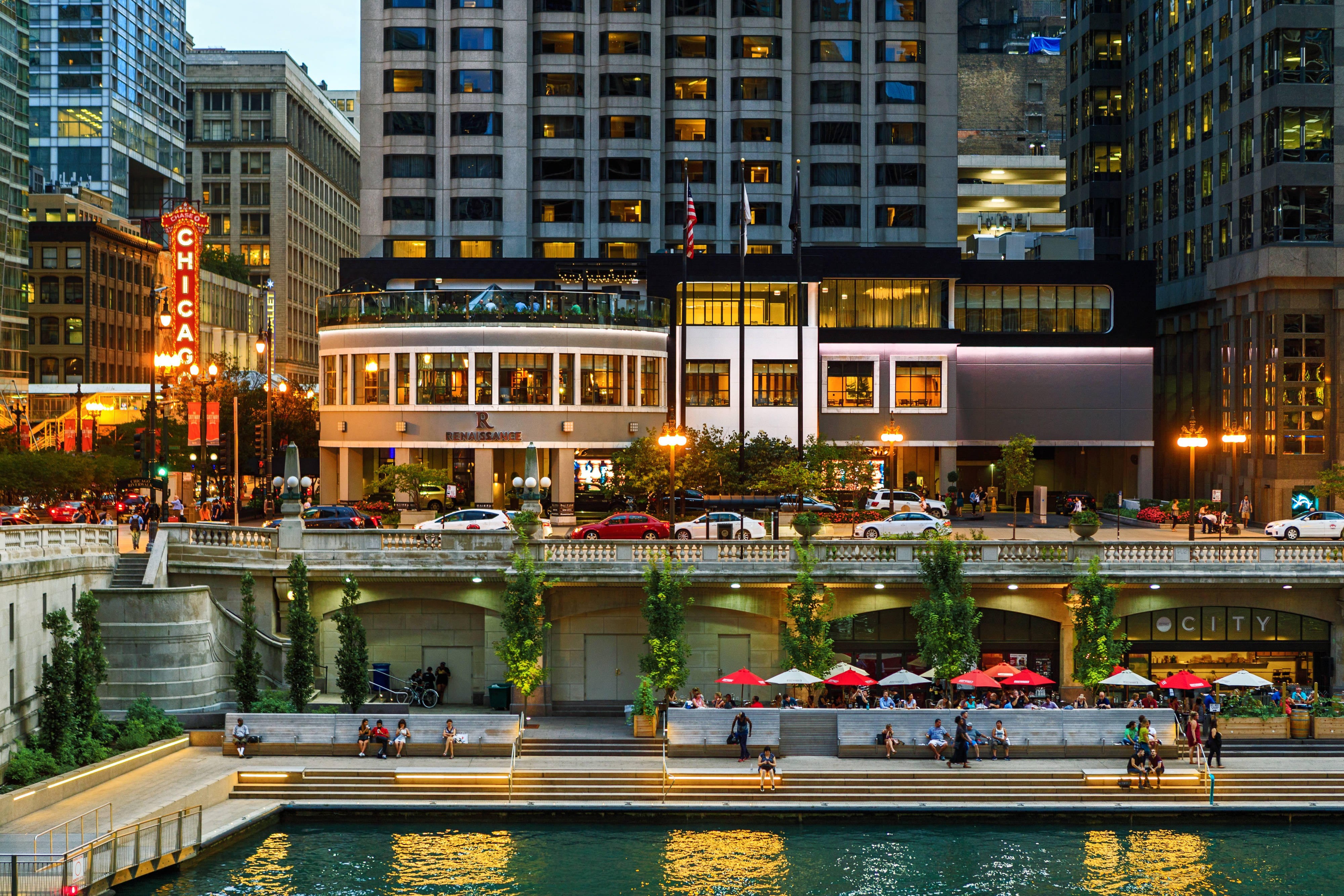 Renaissance Chicago Downtown Hotel Distinctive And Stylish