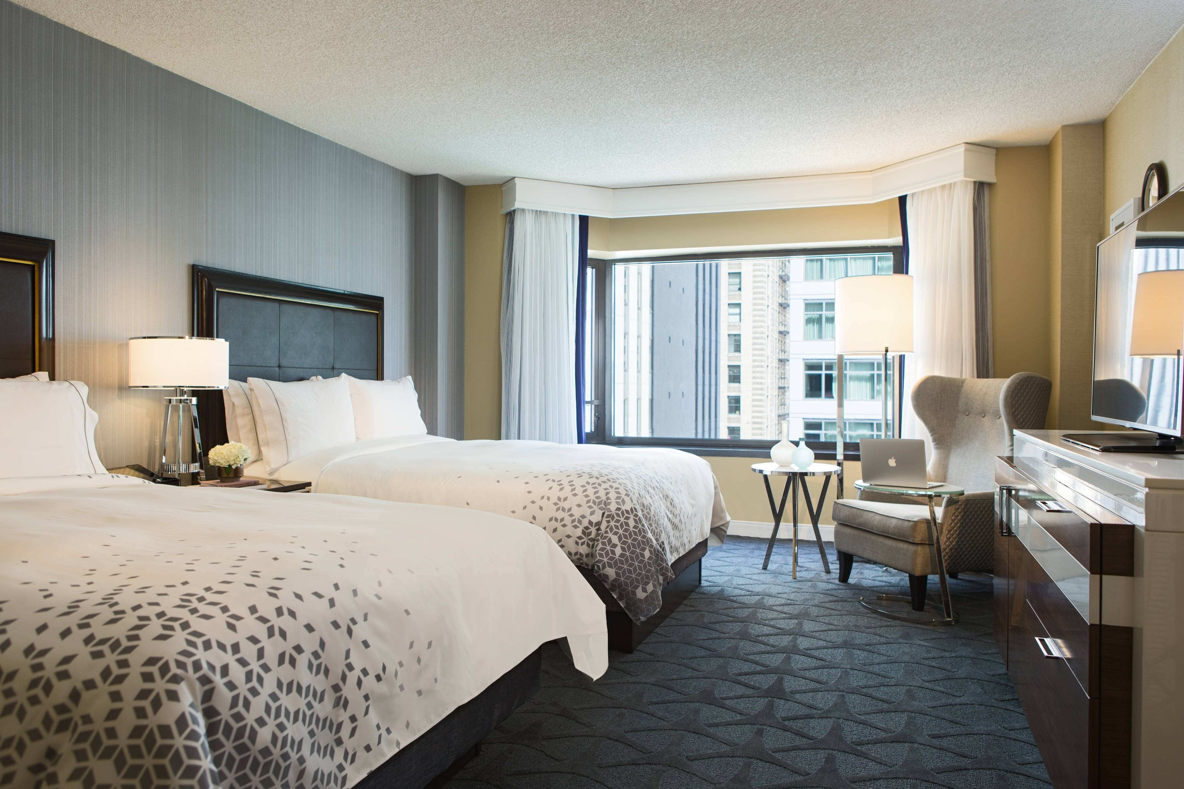 Chicago Theatre District Hotel Room