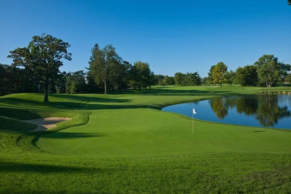 Cog Hill Golf near hotel