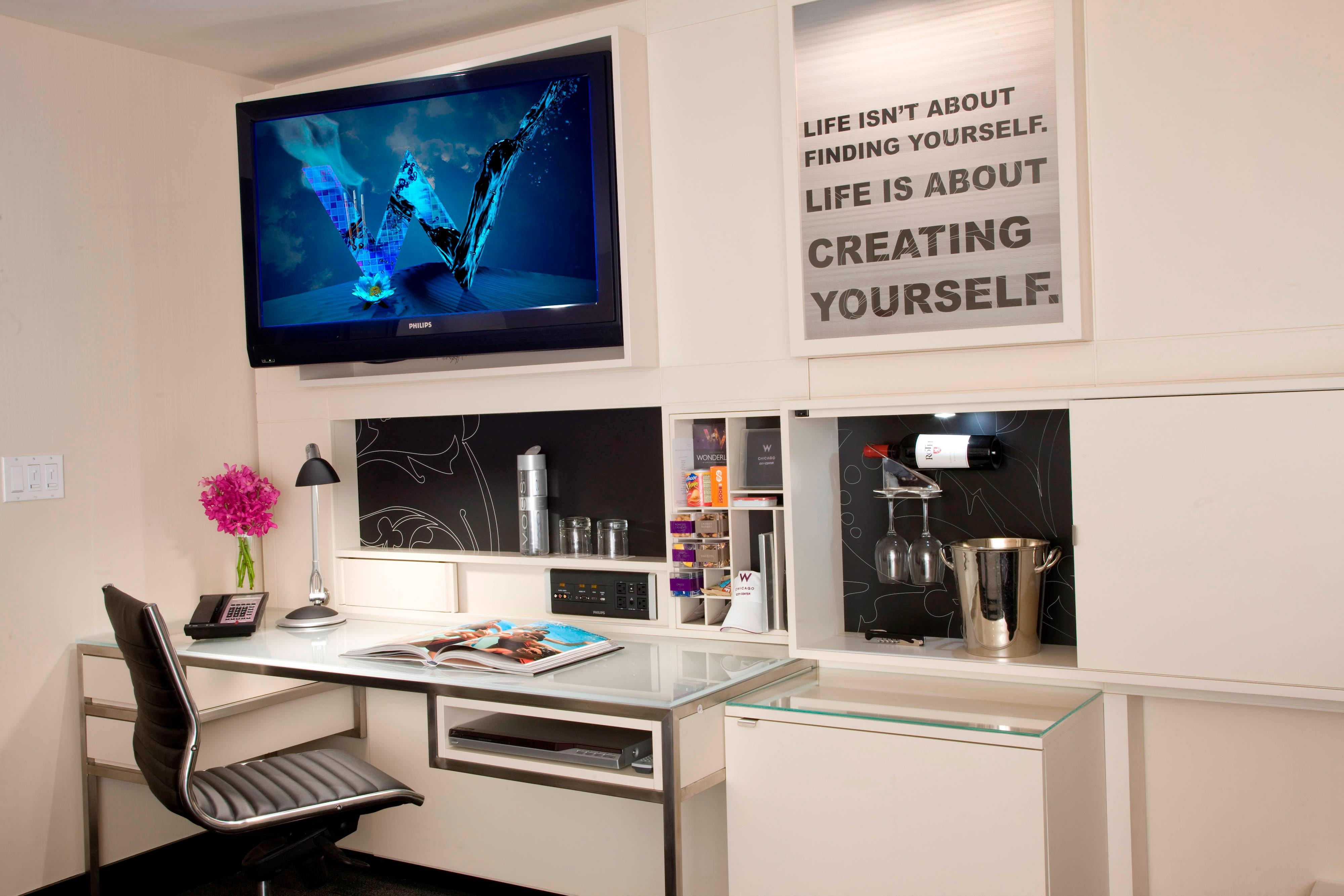 Fabulous Guest Room - Desk
