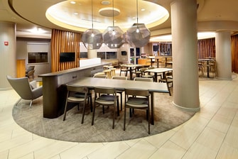 Springhill-Suites-Waukegan-Hotel-Lobby
