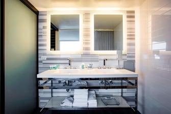 Marvelous Suite - Bathroom