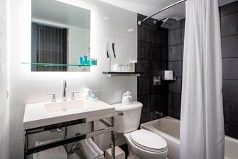 King Wonderful Bathroom