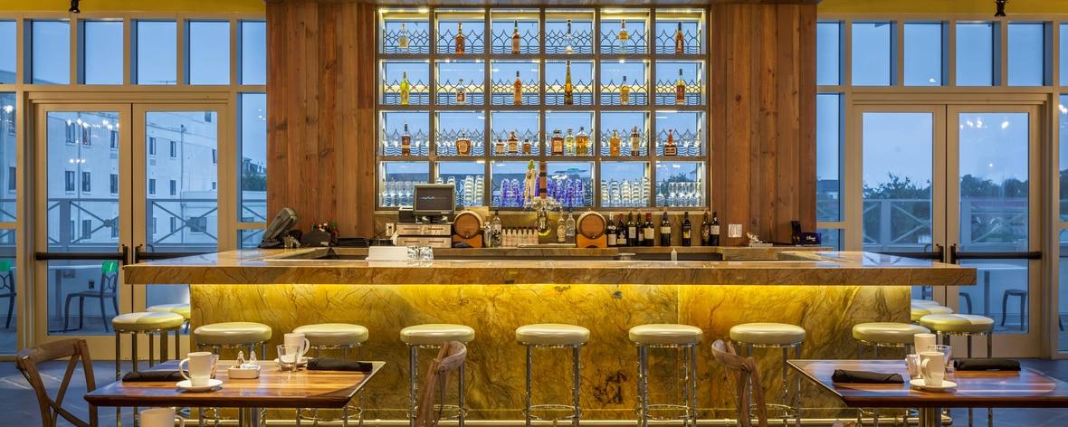 Élevé Rooftop Bar and Restaurant