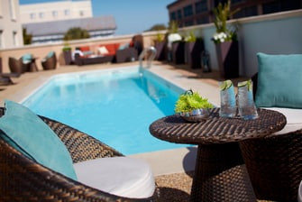 Charleston hotel outdoor rooftop pool