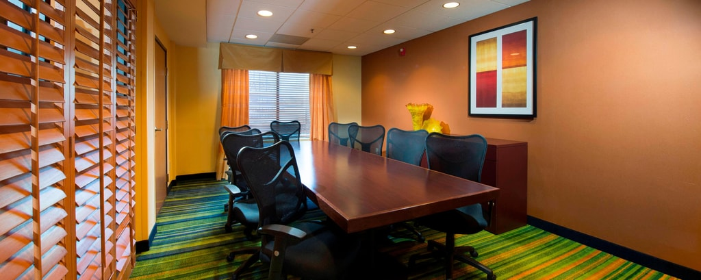 Boardroom in Charleston airport hotel