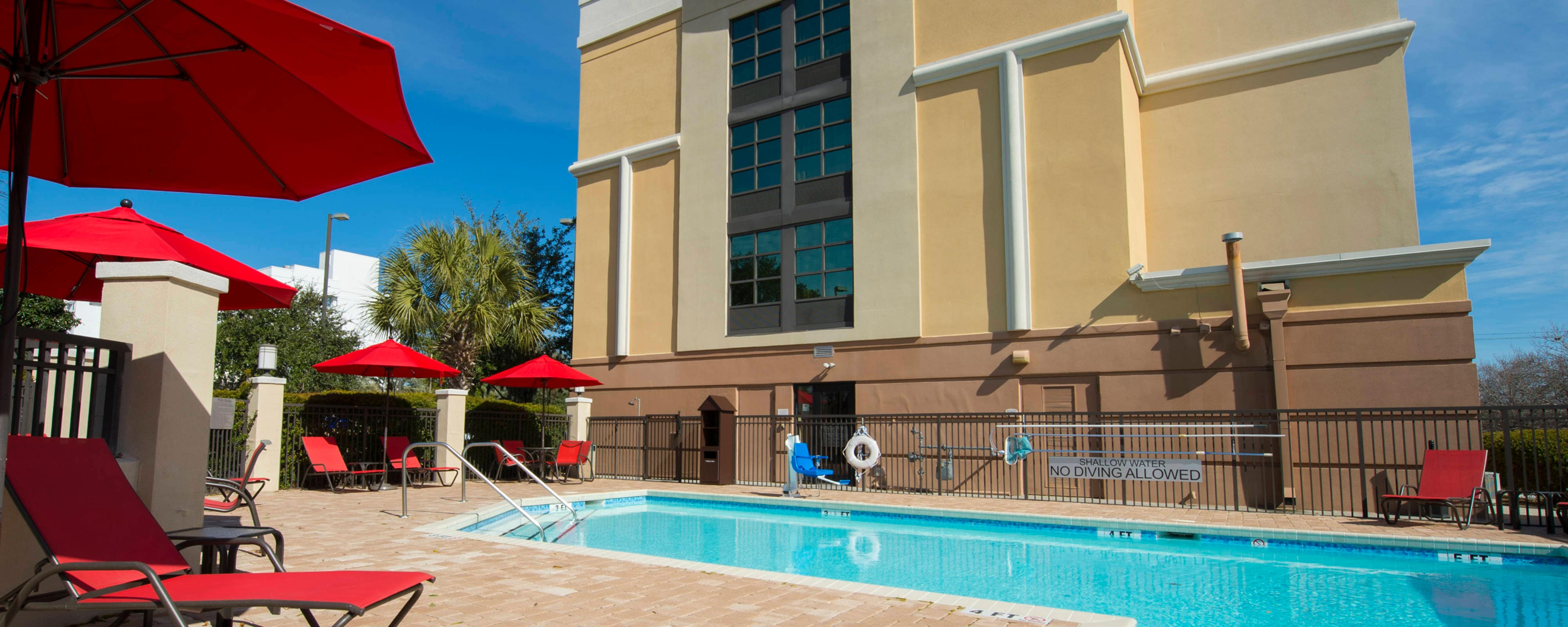 Charleston Airport Hotel Outdoor Pool