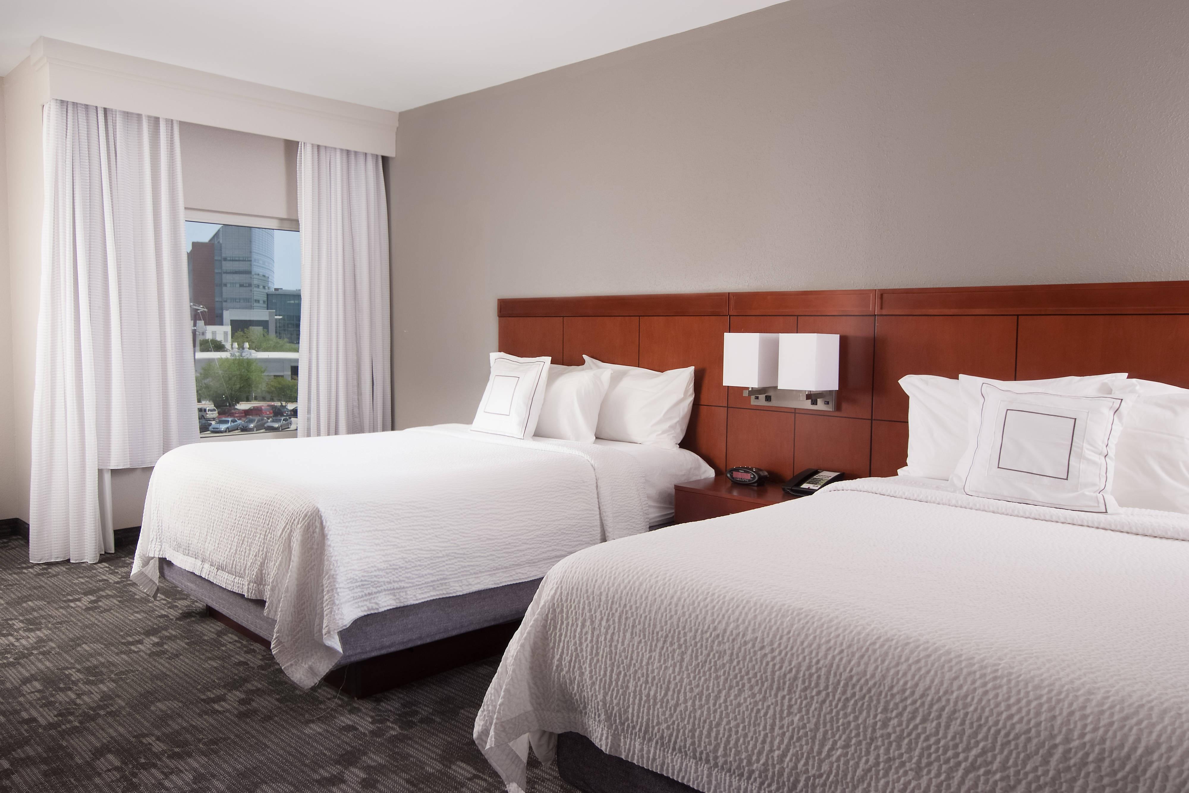 Habitación con dos camas Queen - Vista a la ciudad