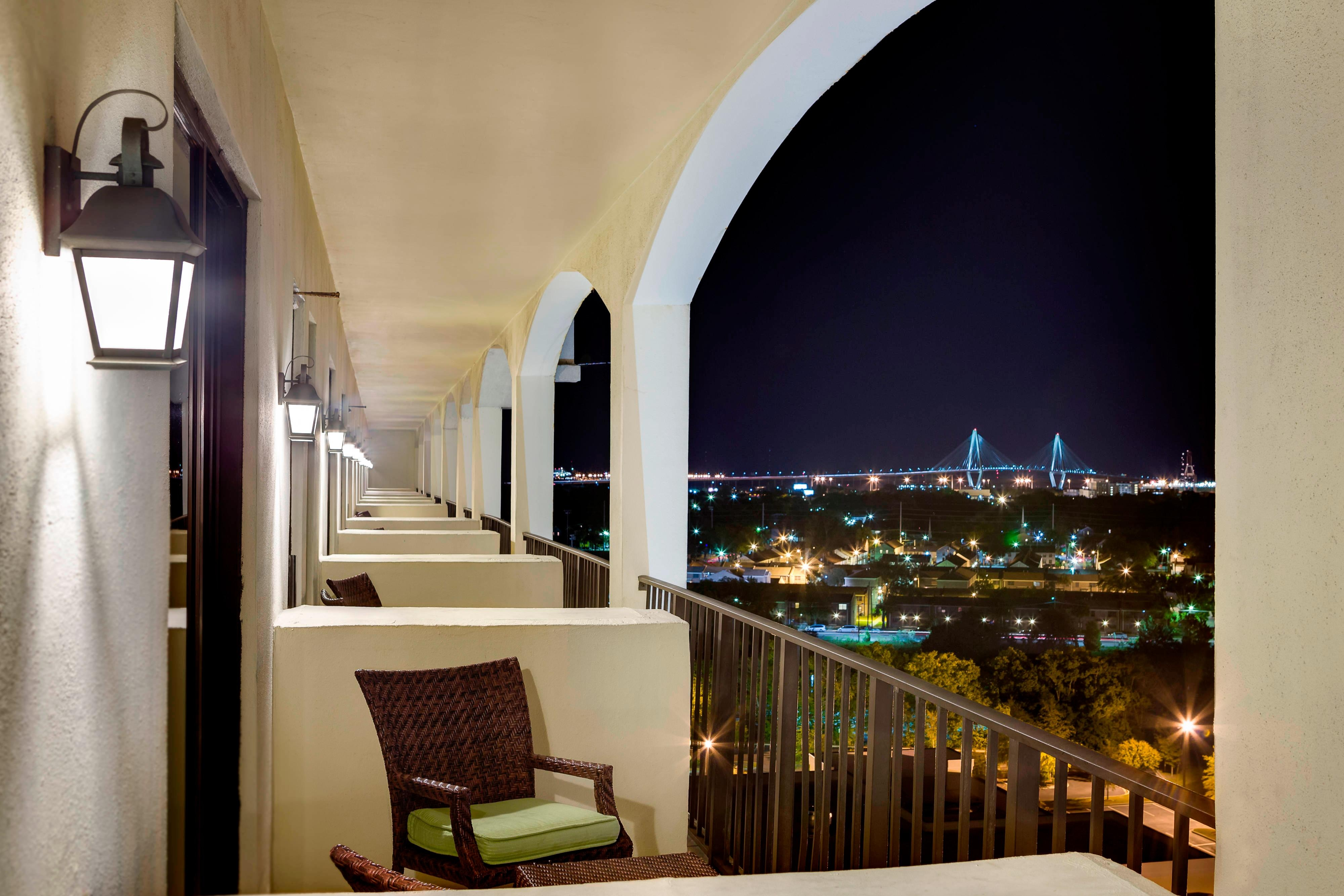 Charleston hotels with a bridge view