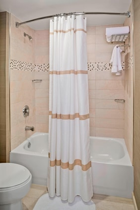 Hotels in Charleston SC with Upgraded Guest Bathroom