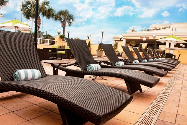 Charleston Hotel With Outdoor Pool