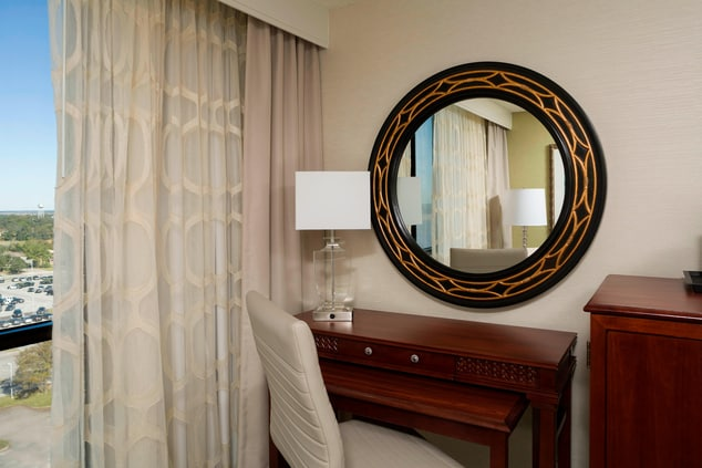 Charleston hotels with Guest Room Work Station