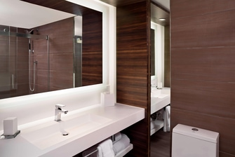 Luxury hotel bathroom in Charleston