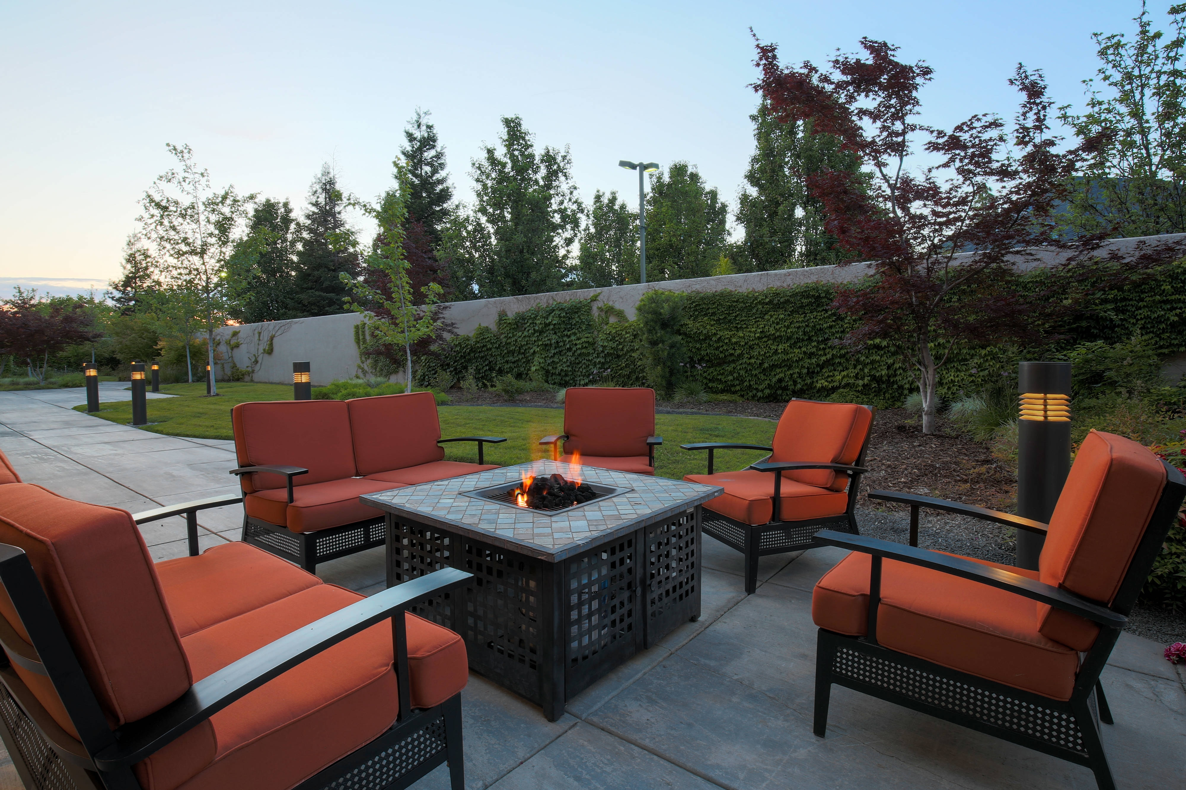 Chico California Hotel Outdoor Fire Pit
