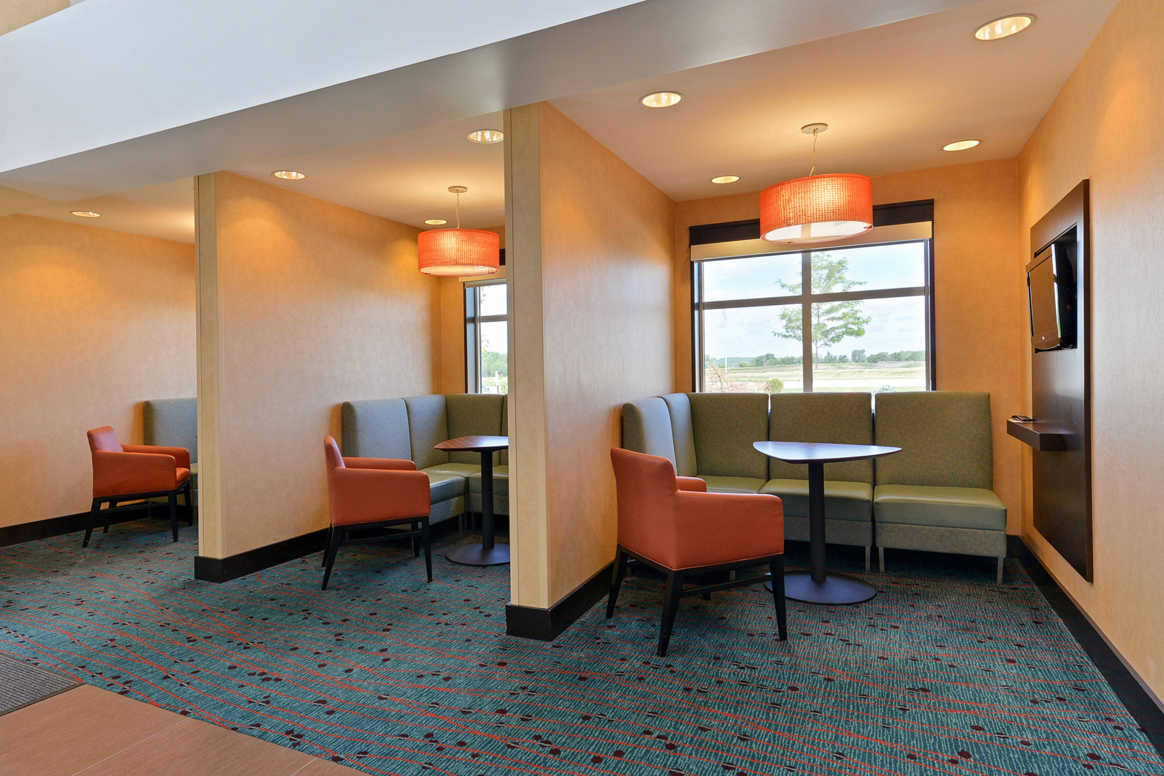 Small Meeting Spaces in Lobby