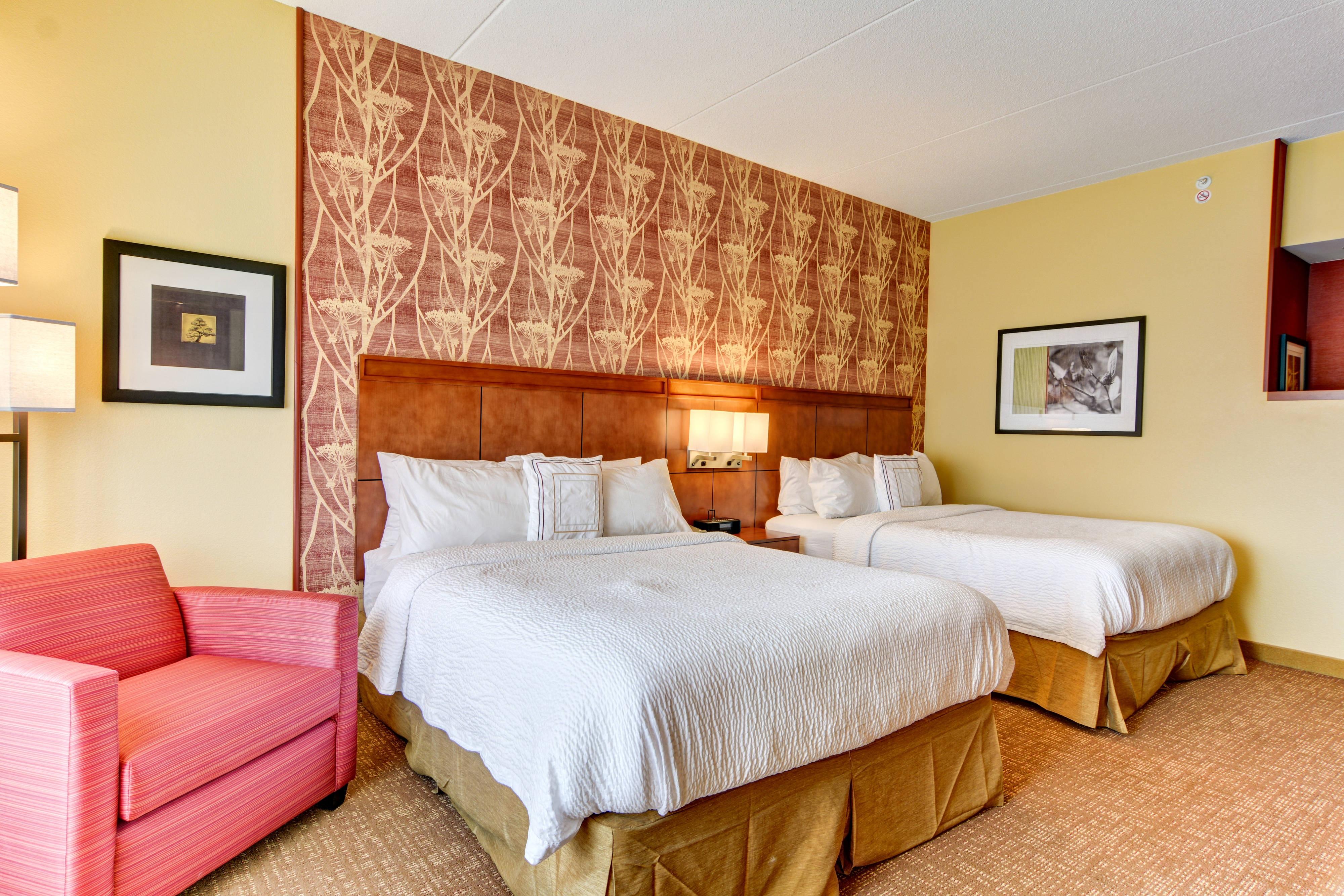 Clarksburg, WV Courtyard Hotel Double Queen Guest Room