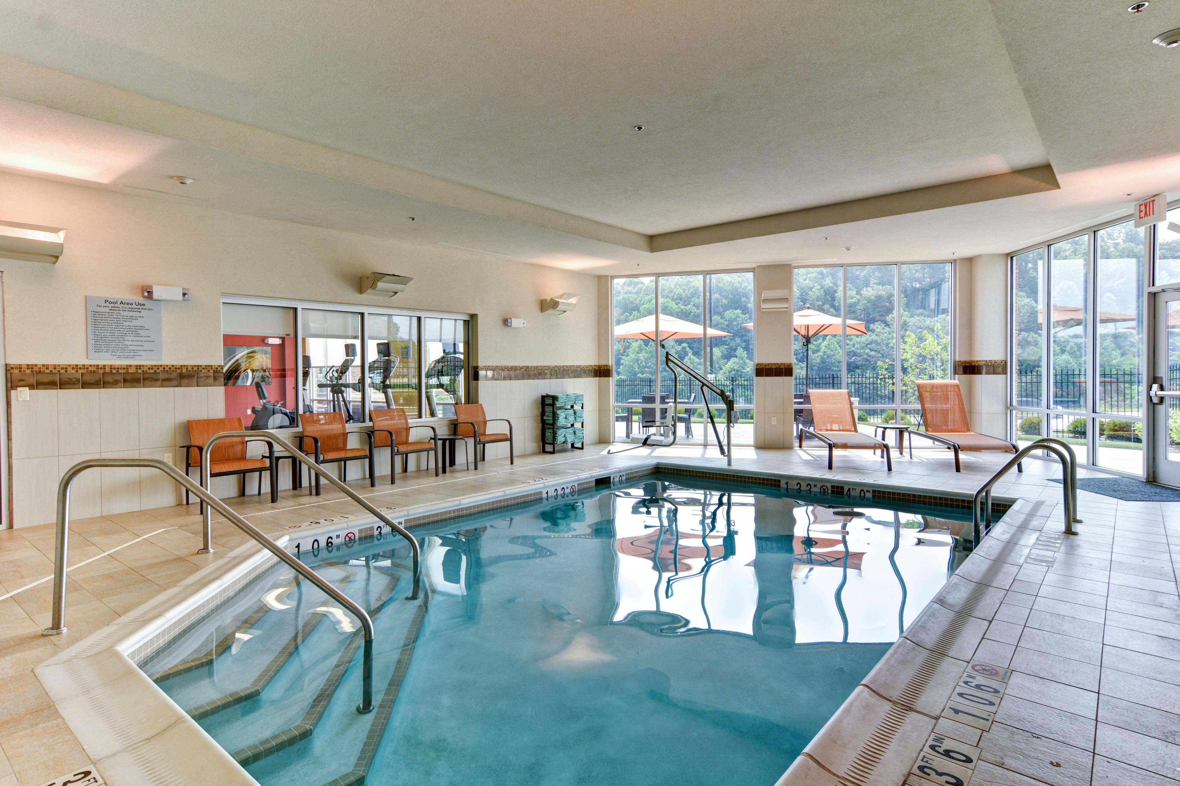Marriott Courtyard Bridgeport Hotel Indoor Pool