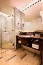 JW Marriott Hotel Chongqing Guest Bathroom