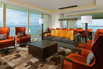 Suite Ambassador Suite - Living Room