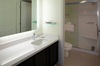 Residence Inn by Marriott Cleveland Beachwood Bathroom