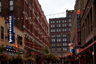 East 4th Street District
