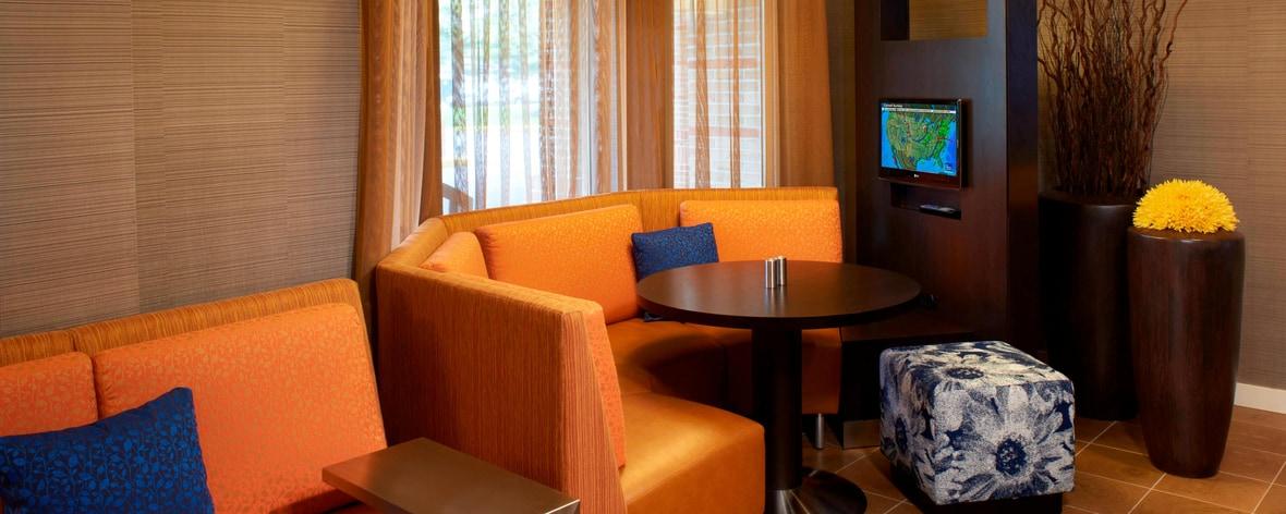 Estaciones multimedia del hotel en Strongsville, OH