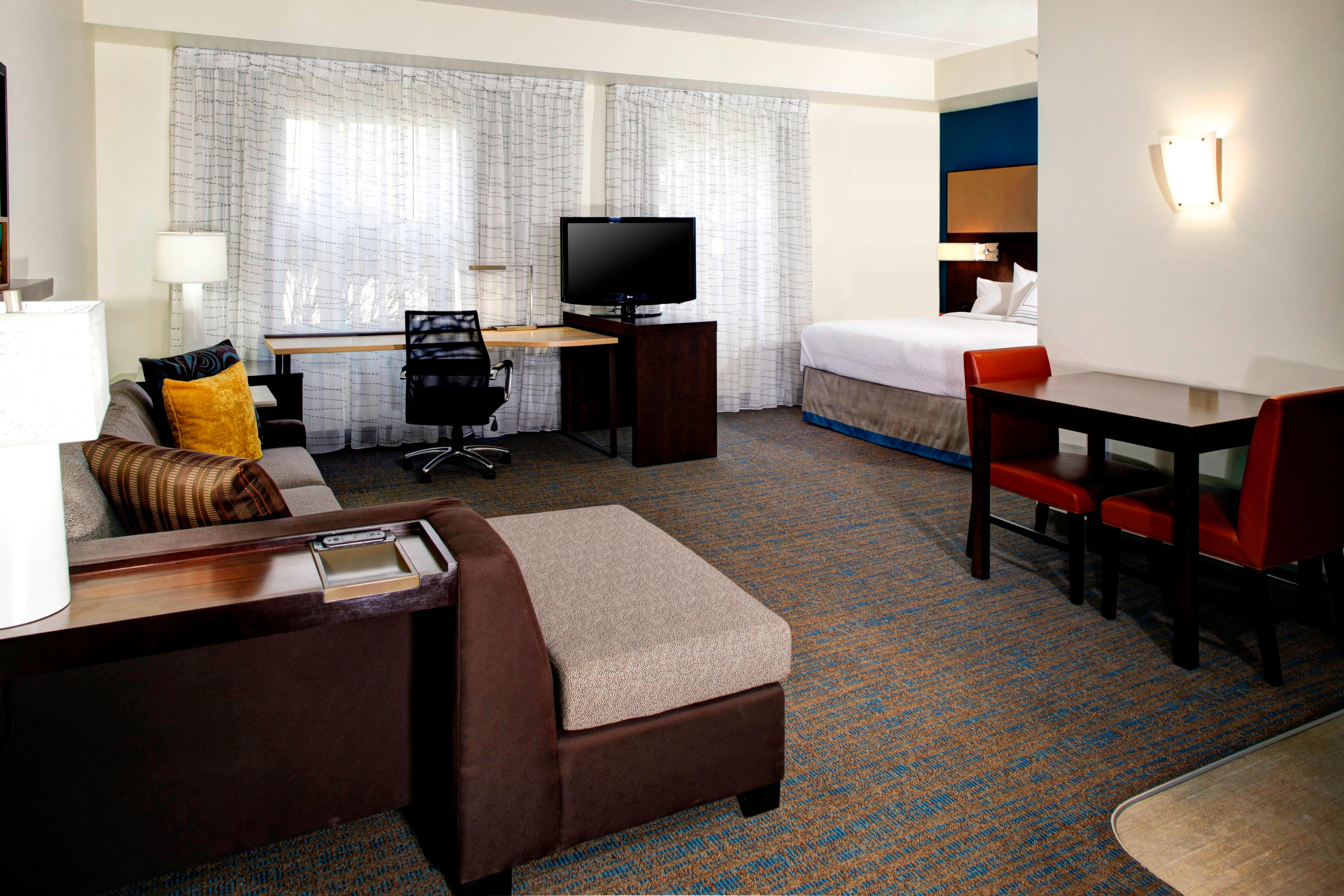 Mentor Marriott Hotel rooms