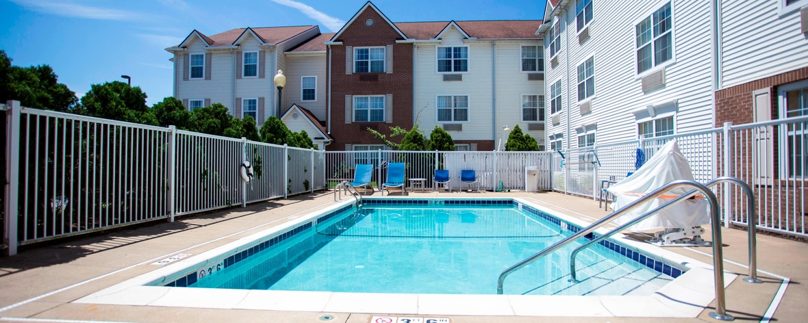 Piscina al aire libre, TownePlace Suites Cleveland Streetsboro