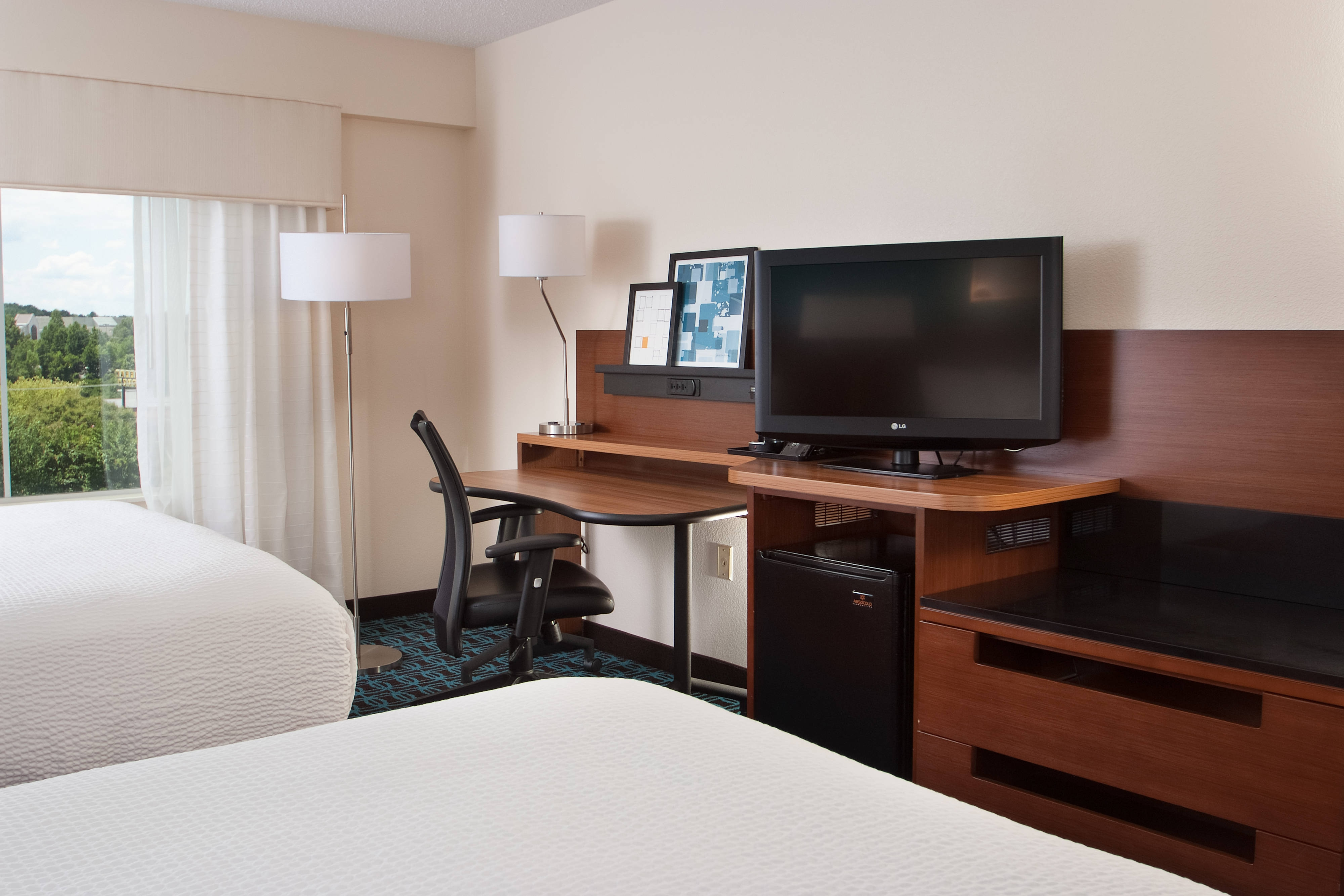 Hotel near CLT with free parking and breakfast