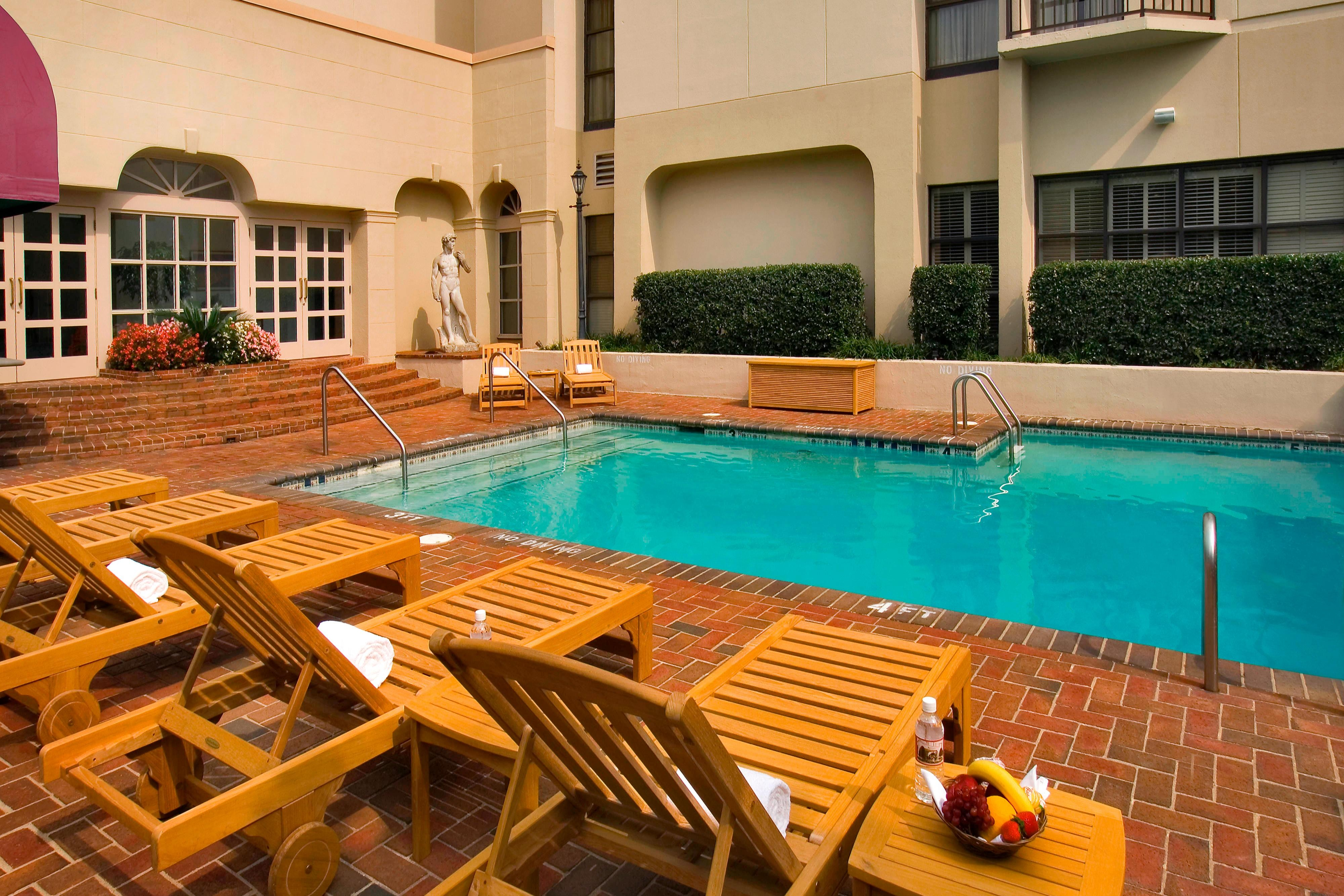 Charlotte SouthPark hotel pool
