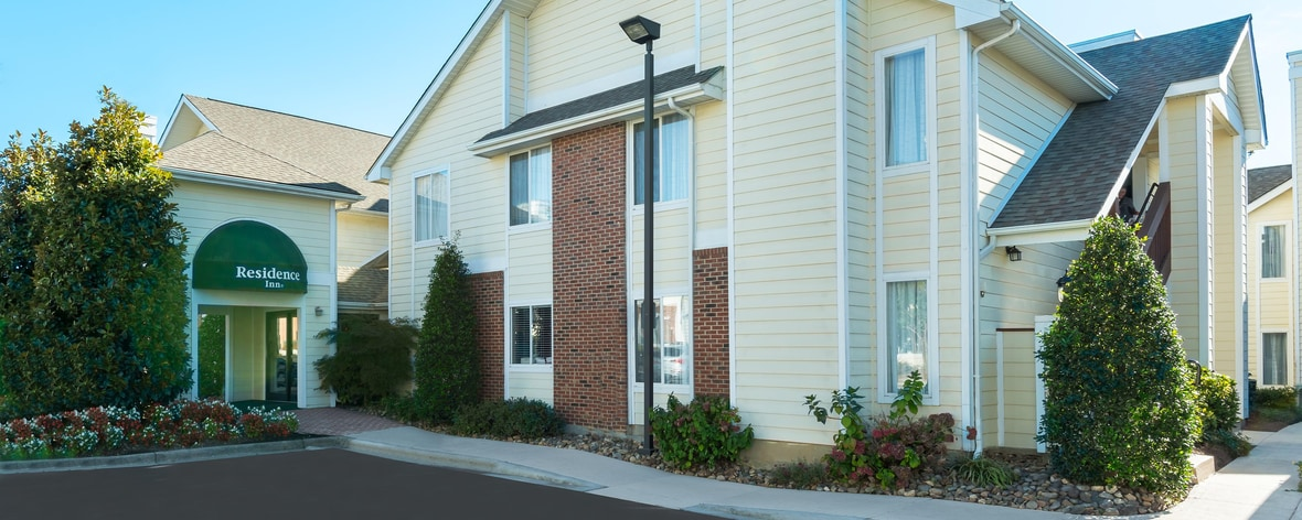 Hotels in university area charlotte nc residence inn for Hotels in charlotte nc near charlotte motor speedway