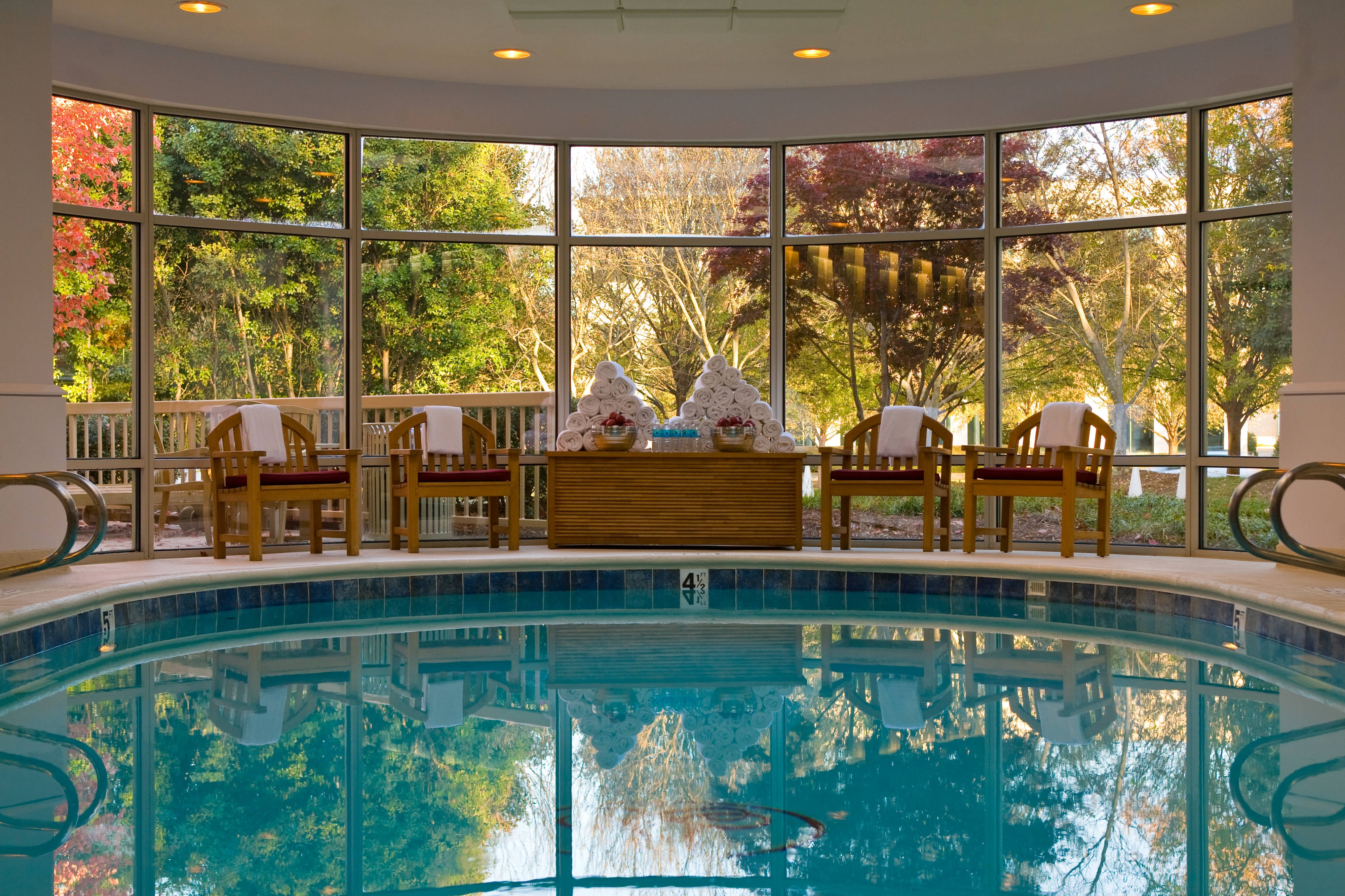 Charlotte luxury hotel indoor pool