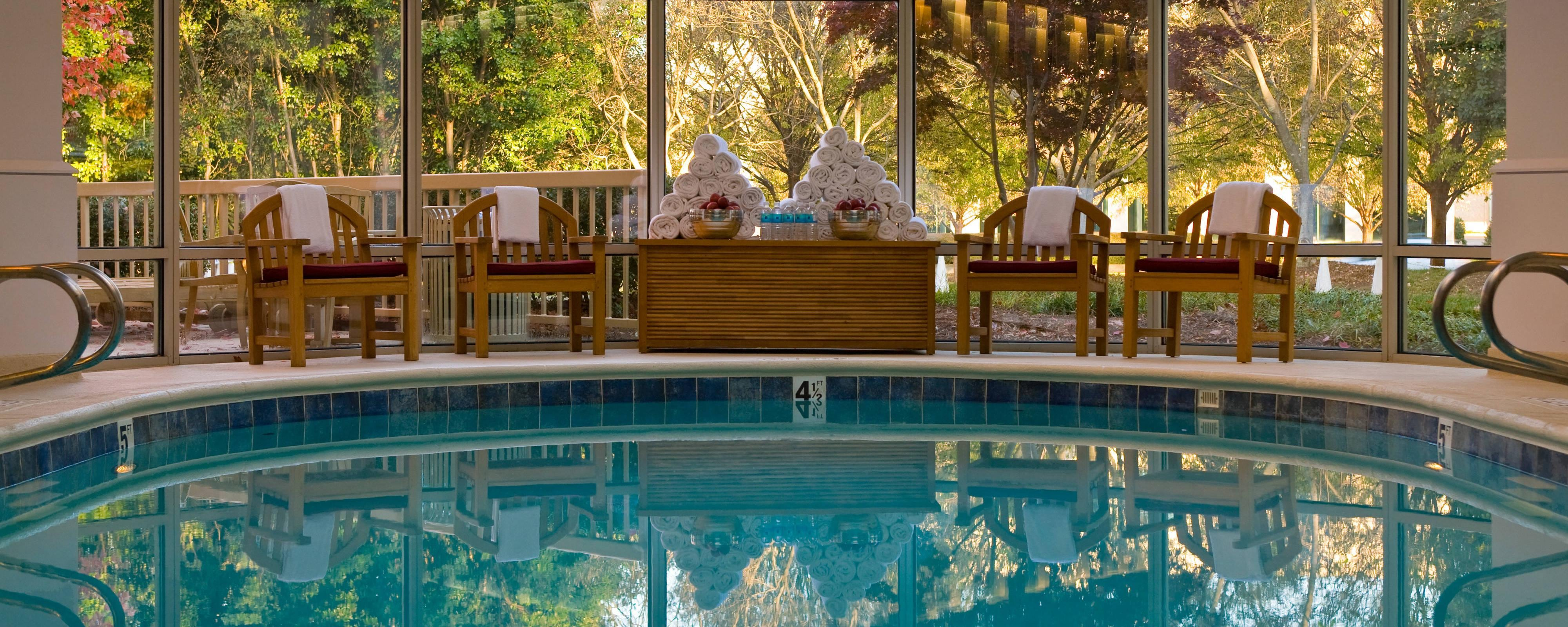 Hotel with indoor pool charlotte nc renaissance charlotte southpark hotel for Indoor swimming pools charlotte nc