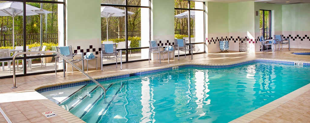 Hotels with indoor pools in charlotte nc springhill suites charlotte for Indoor swimming pools charlotte nc