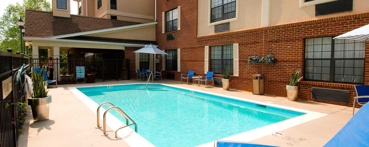 University of north carolina at charlotte hotel for Cheap hotels near charlotte motor speedway