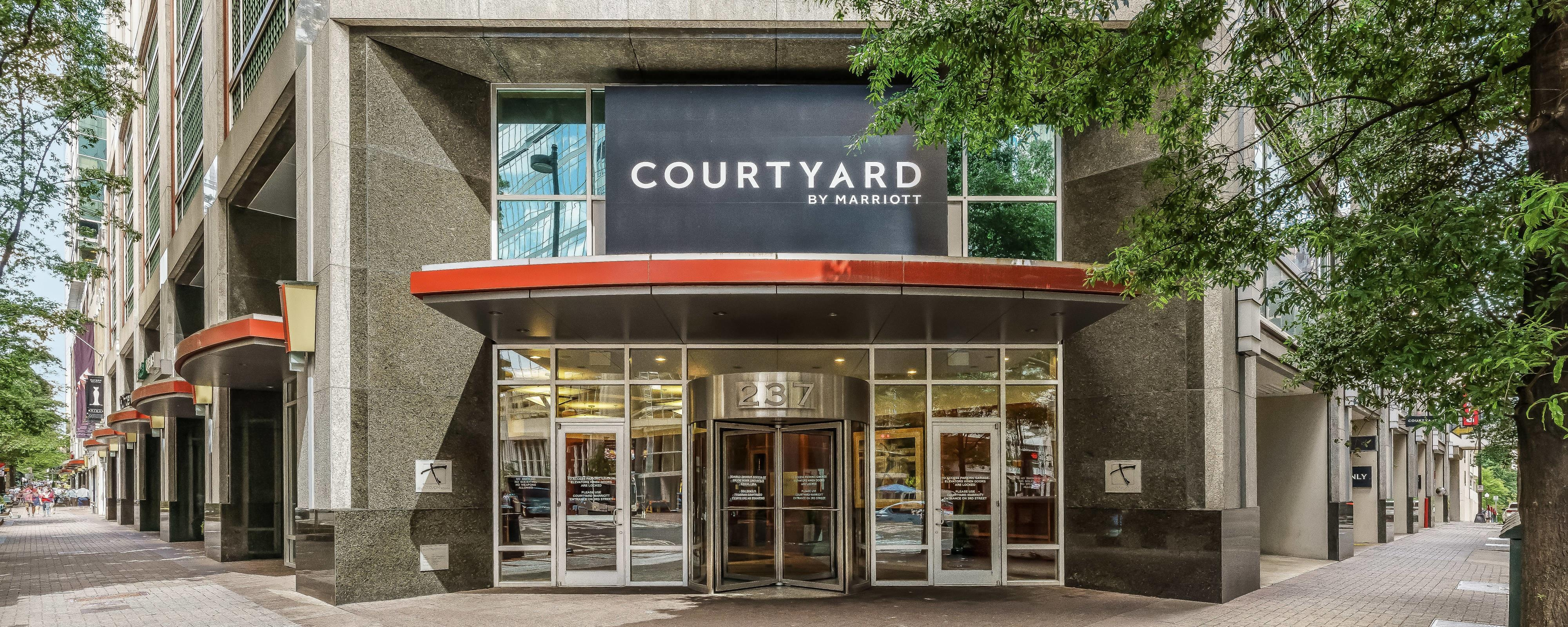 Charlotte Hotels | Courtyard by Marriott Charlotte City Center on