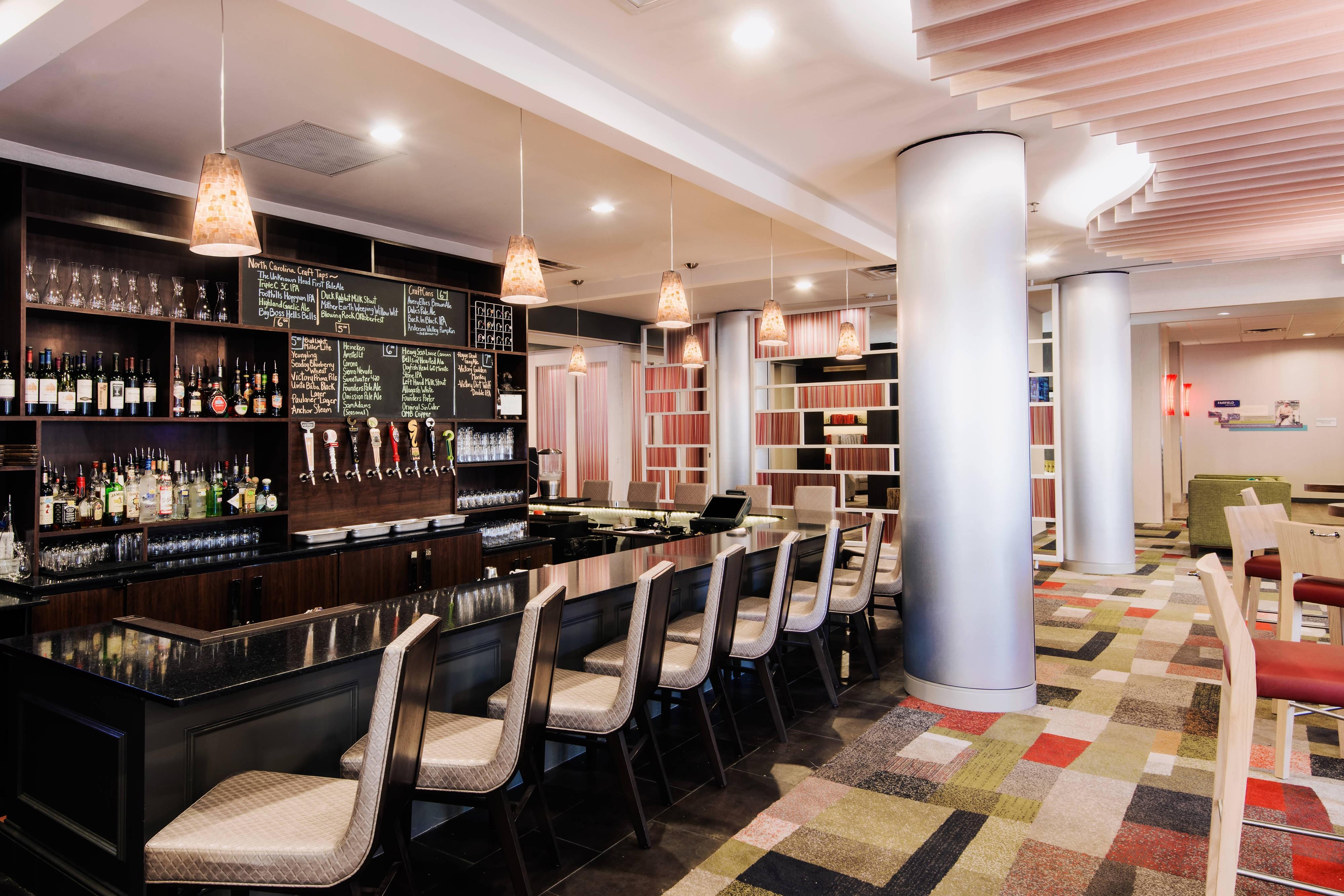 QTavern Restaurant & Bar - Charlotte Uptown