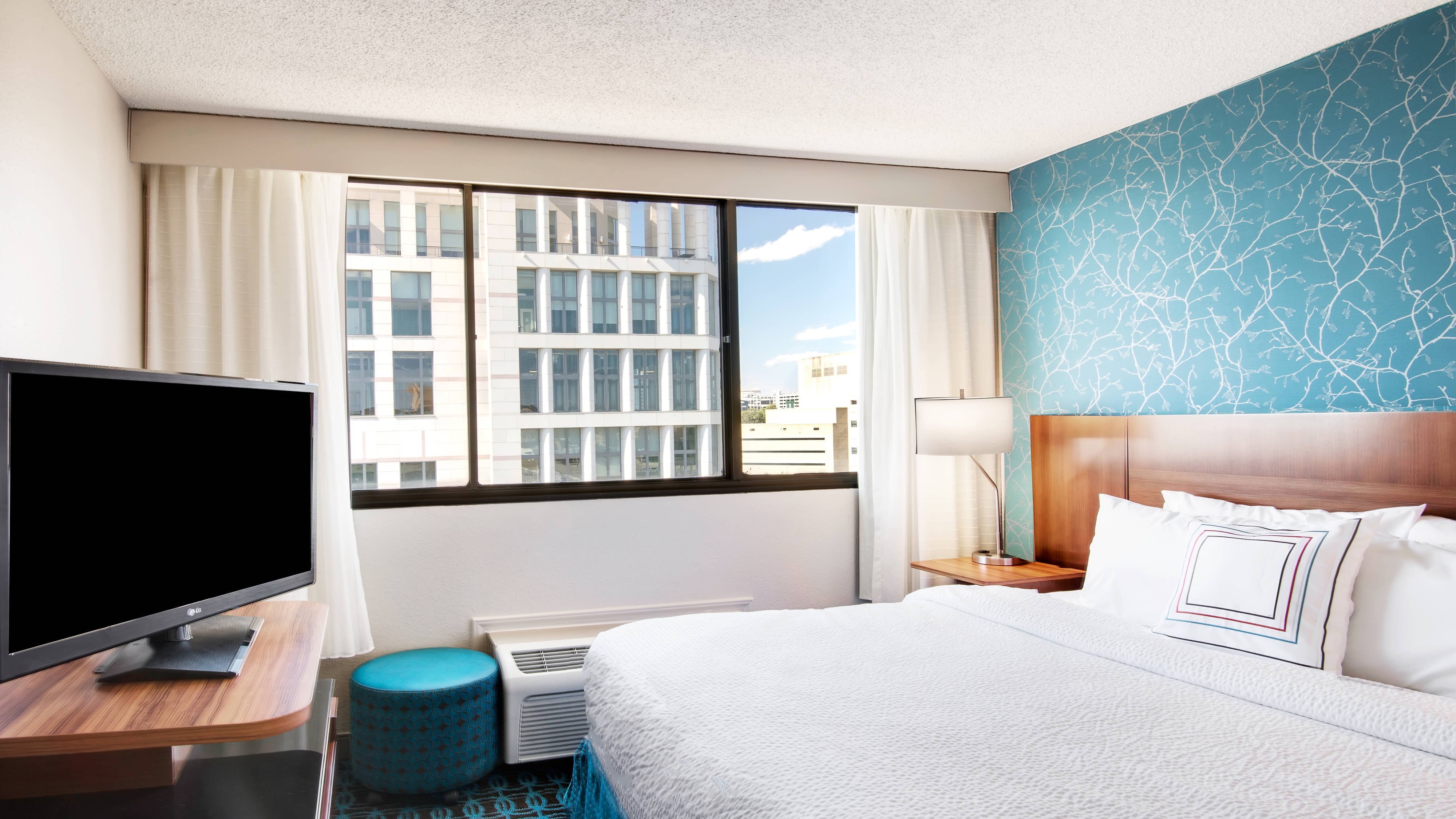 Hotel in Uptown Charlotte with free Wi-Fi