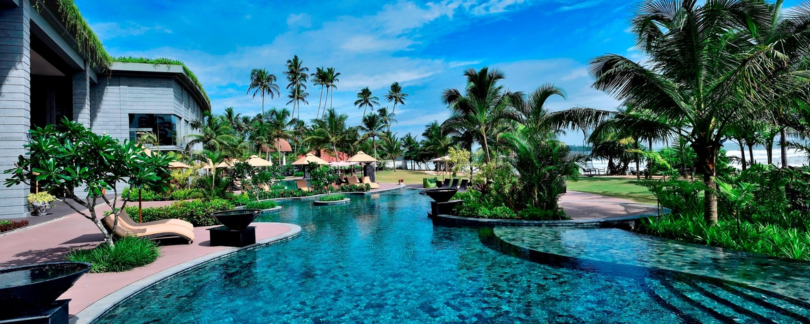 Weligama Beach Hotel in Sri Lanka | Weligama Bay Marriott Resort & Spa