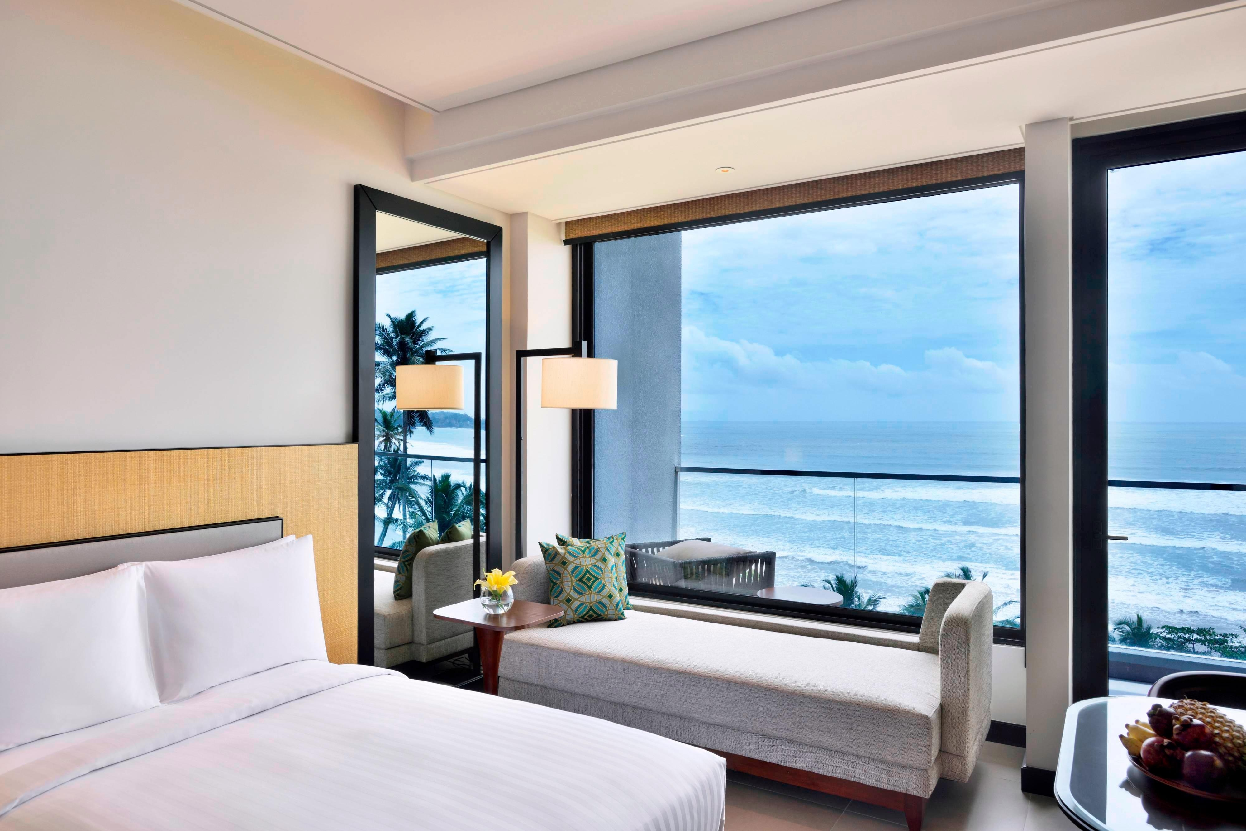 Superior King Ocean View Guest Room