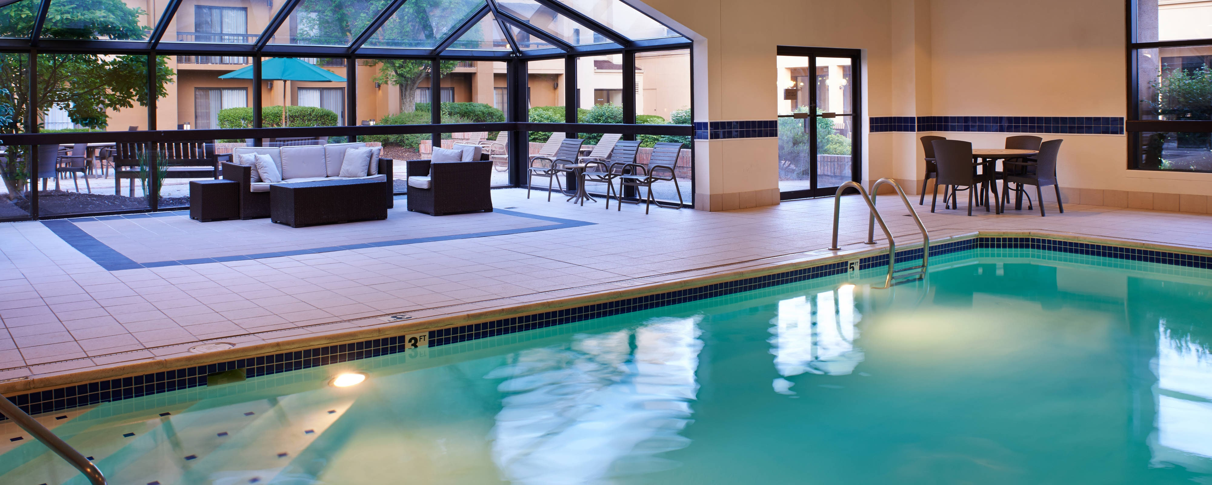 Worthington Ohio Hotels With Indoor Pool Courtyard Columbus Worthington