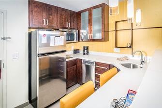 King Studio & One-Bedroom Suite Kitchen