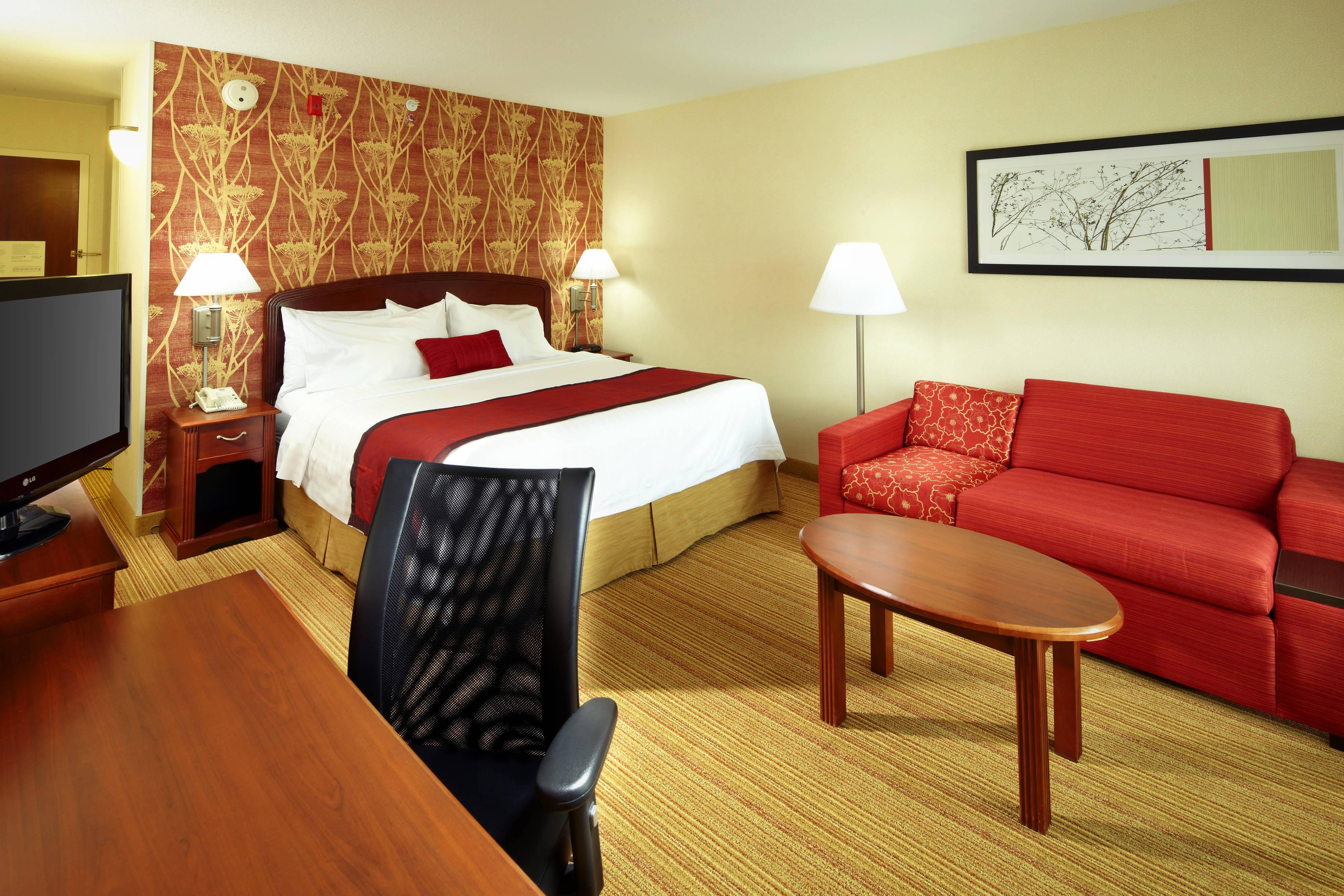 Enjoy Comfortable And Functional Guest Rooms In Newark, OH