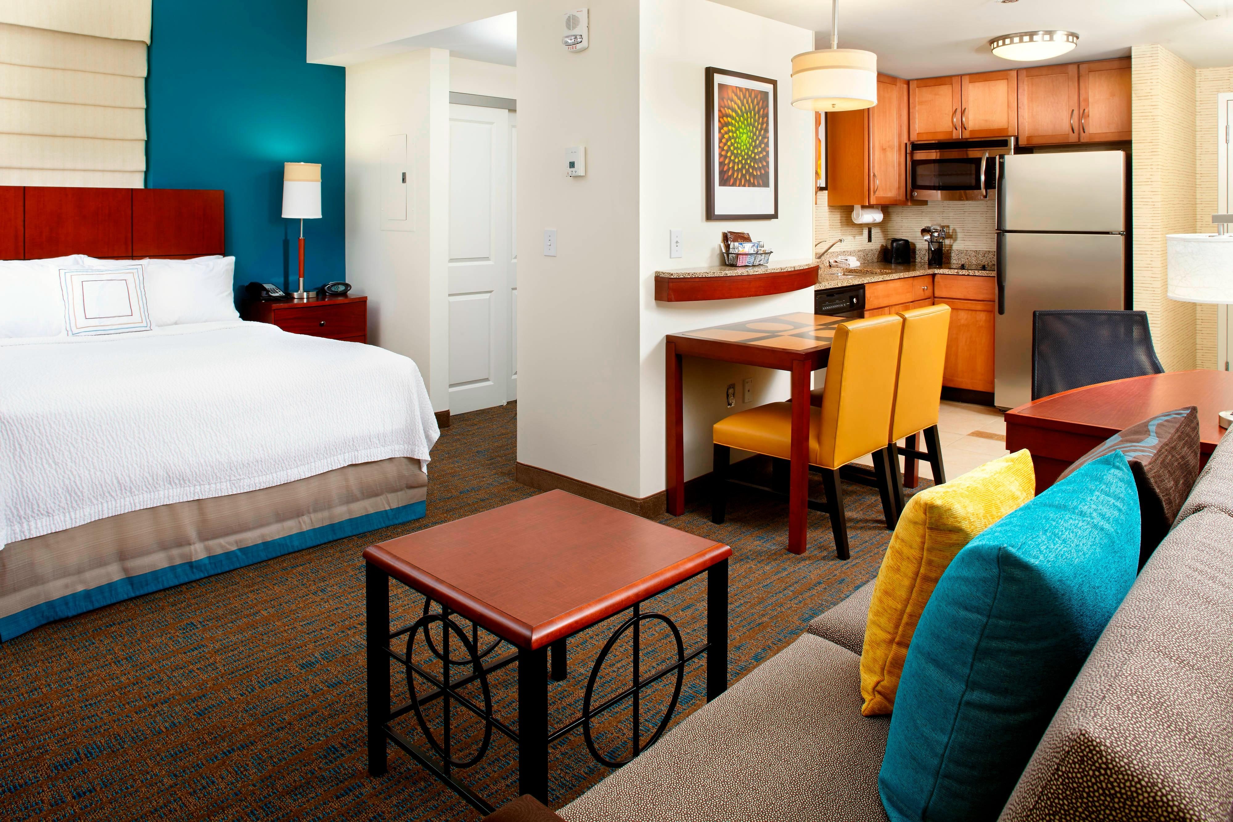 Cherish A Vibrant Stay In Our Columbus Hotel S Suites