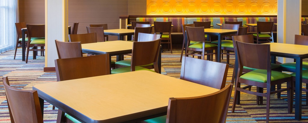 Fairfield Inn & Suites Breakfast seating