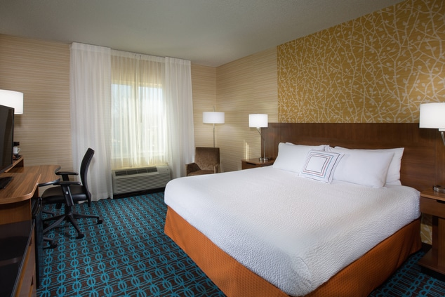 Fairfield Inn & Suites Columbus OSU Guest Rooms